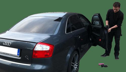 Autoschlüssel im Auto vergessen? Autoöffnung im 24 Stunden Notdienst!