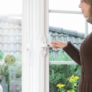 Fensterstangenverschluss FSV von Ikon hat ein sehr edles Design und gleichzeitig hohe Einbruchhemmung!
