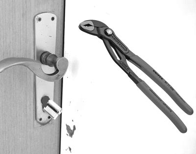 Dadurch Bekommt Der Einbrecher Zugriff Auf Das Innere Des Einsteckschlosses  Und Kann Die Tür, Unabhängig Davon Ob Abgeschlossen Oder Nicht, ...